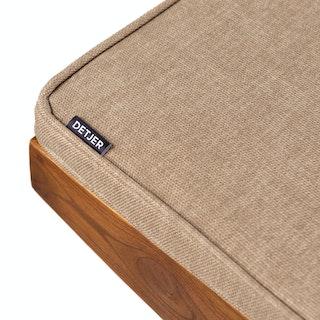 Detail Cushion Lightbrown ondarkenedteak